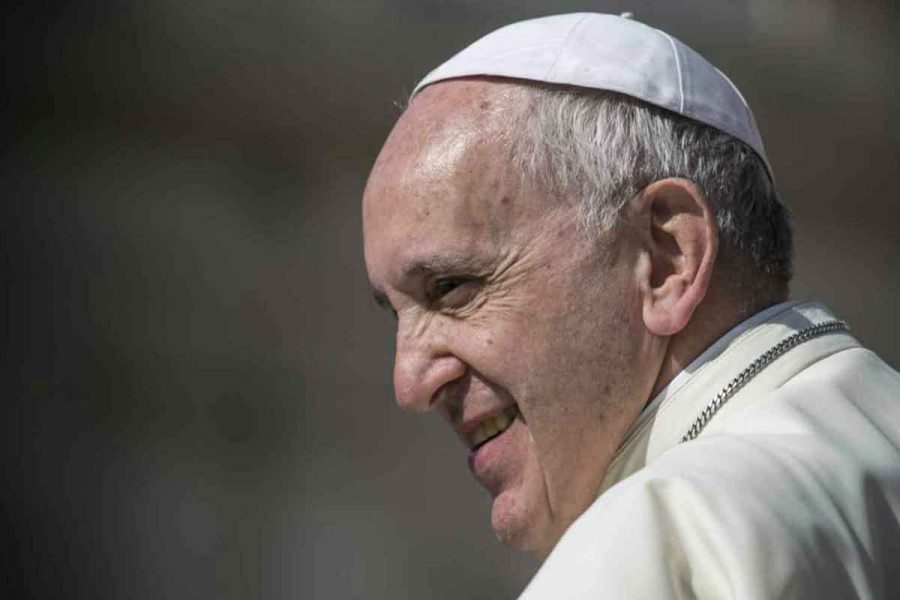 Pope Francis pushes for universal basic income